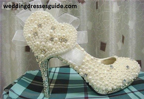 Luxury pearl diamond bridal shoes