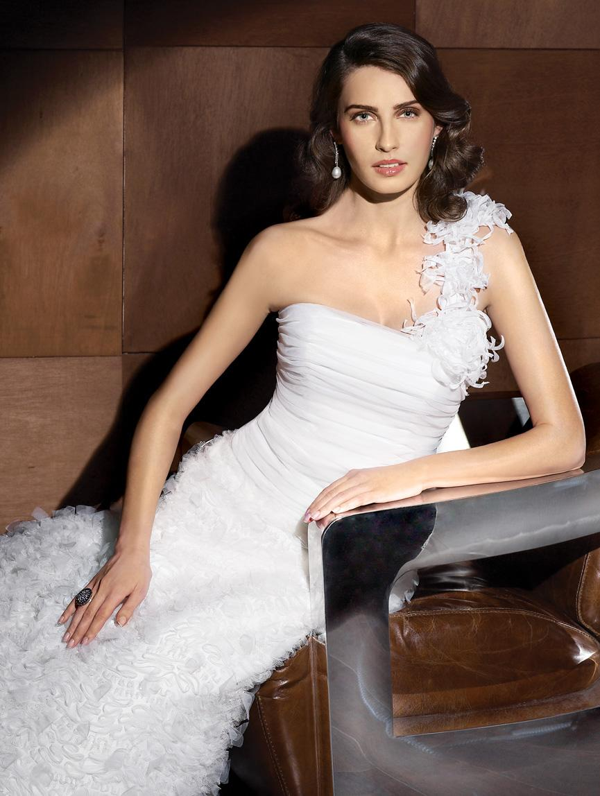 Spanish wedding dresses for bride