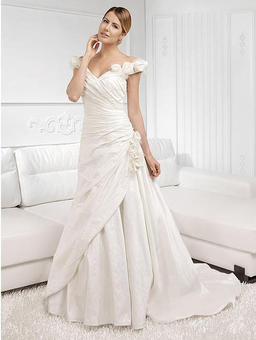 romantic wedding gowns for bride