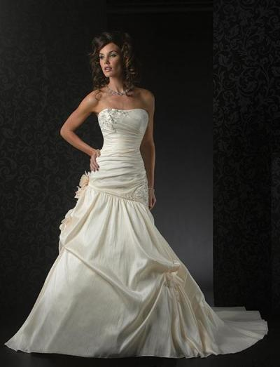 Beautiful Taffeta Wedding Dress