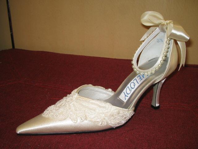 bridal shoes white lace