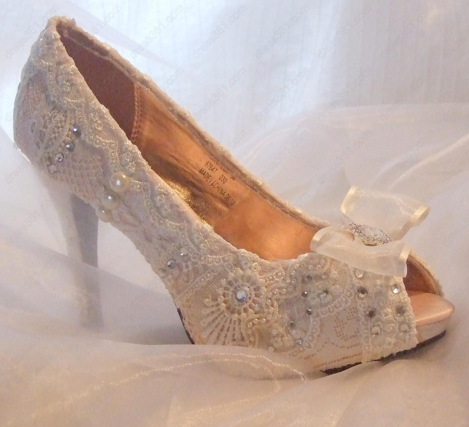 lace wedding shoes for bride