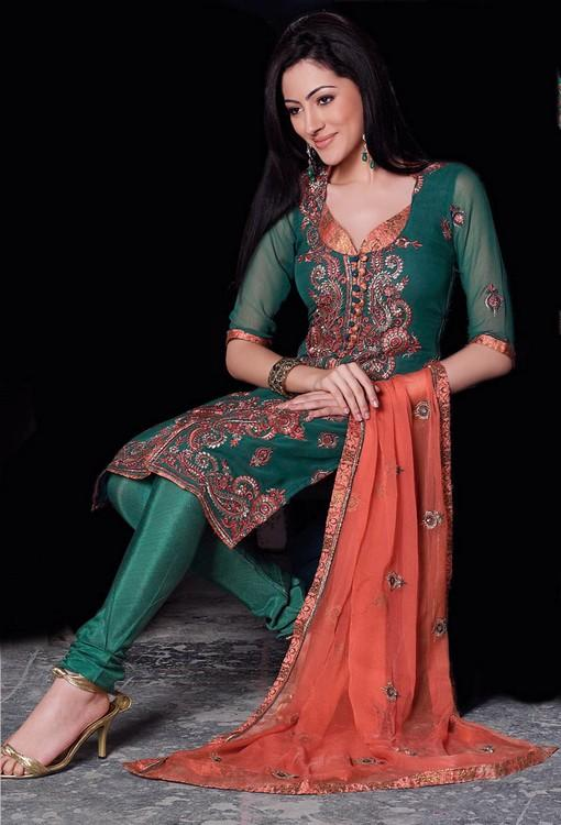 Henna Mehndi Shalwar Kameez Uk London : Wedding dresses salwar kameez ideas