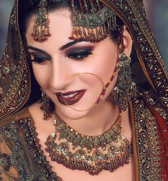 Pakistani Bridals Jewelry