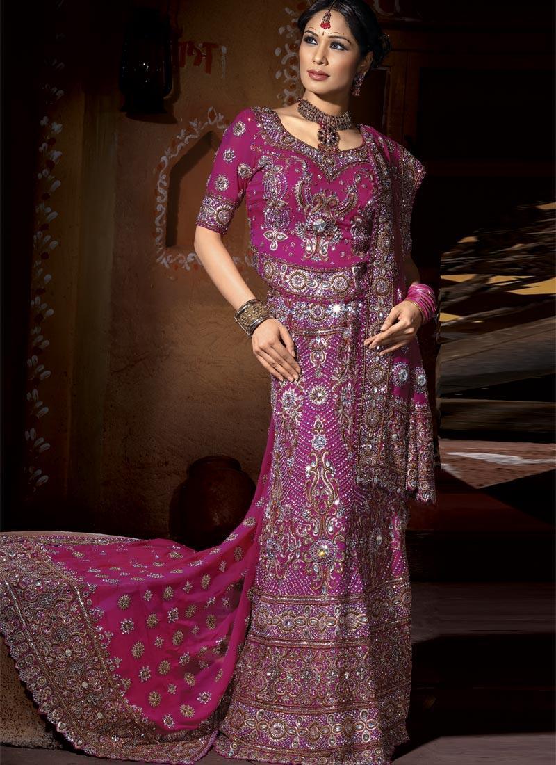 latest pakistani bridal lehnga
