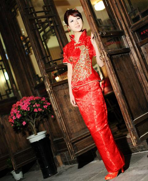 red chinese traditional bridal wedding dress