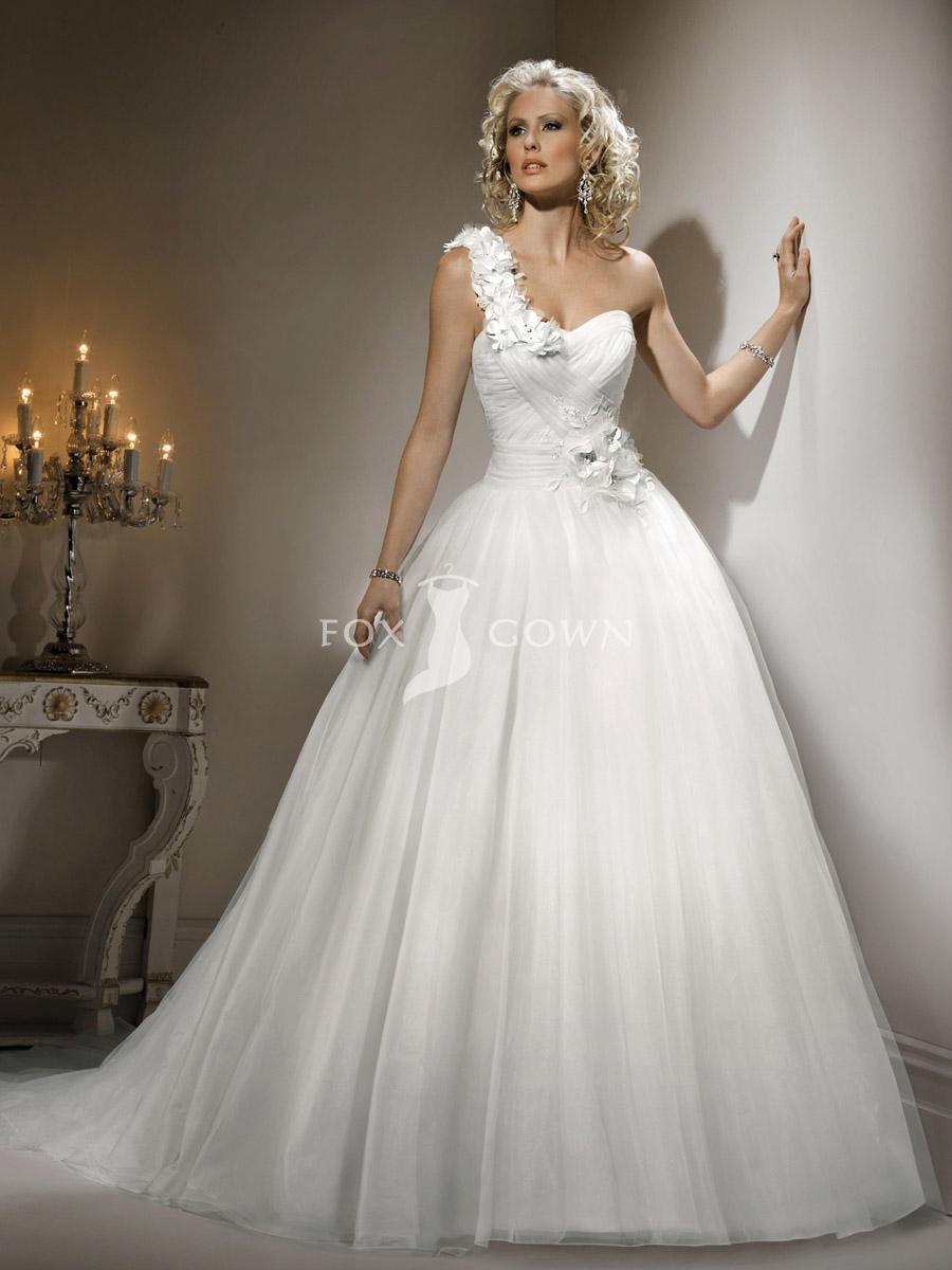 wedding dress affordable designers