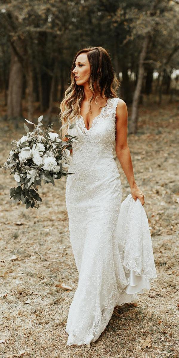 18 most wanted white elegant gowns wedding dresses guide for Most elegant wedding dresses