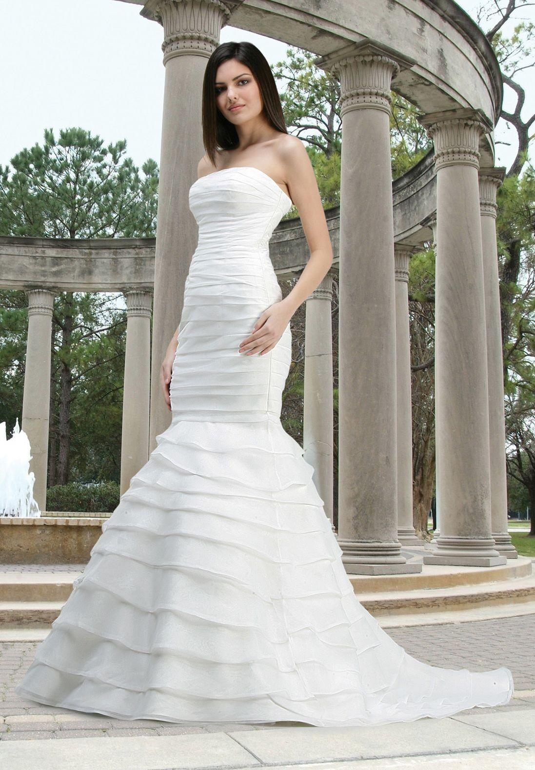 sophisticated-strapless-wedding-dresses