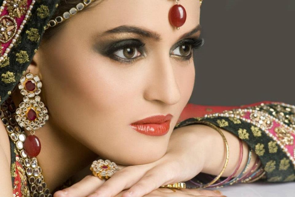 learn-pakistani-bridal-makeup-tips