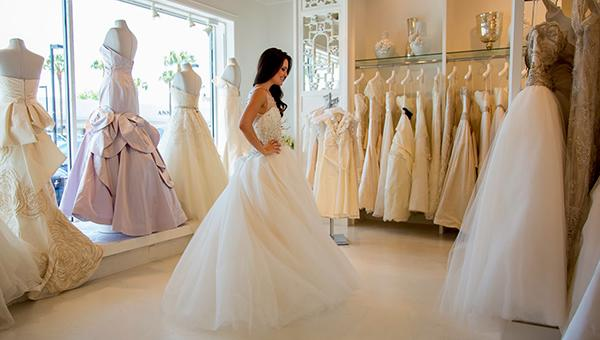 how to choose a wedding dress move bride in fitting room maura jane photography