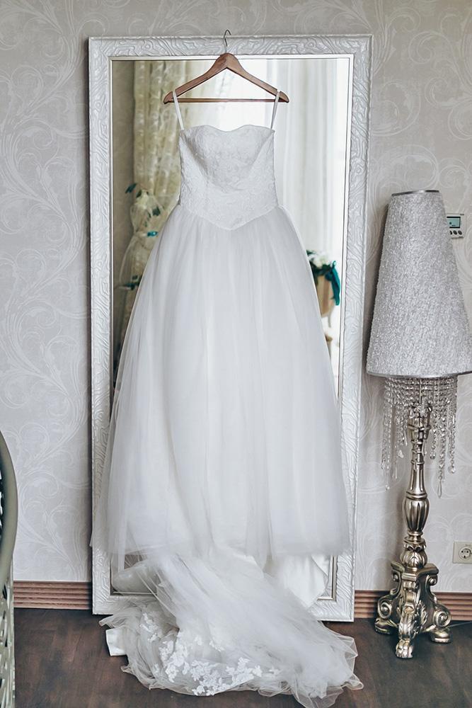 wedding dress preservation mirror
