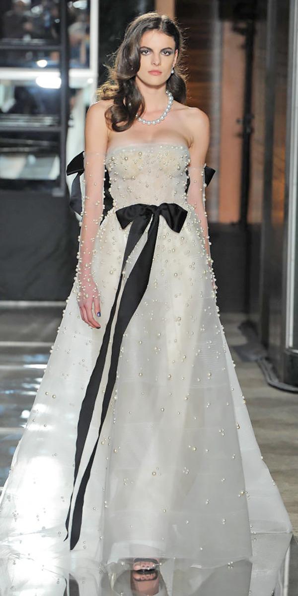 a line strapless slight curve wedding dresses 2018 with black ribbon reem acra
