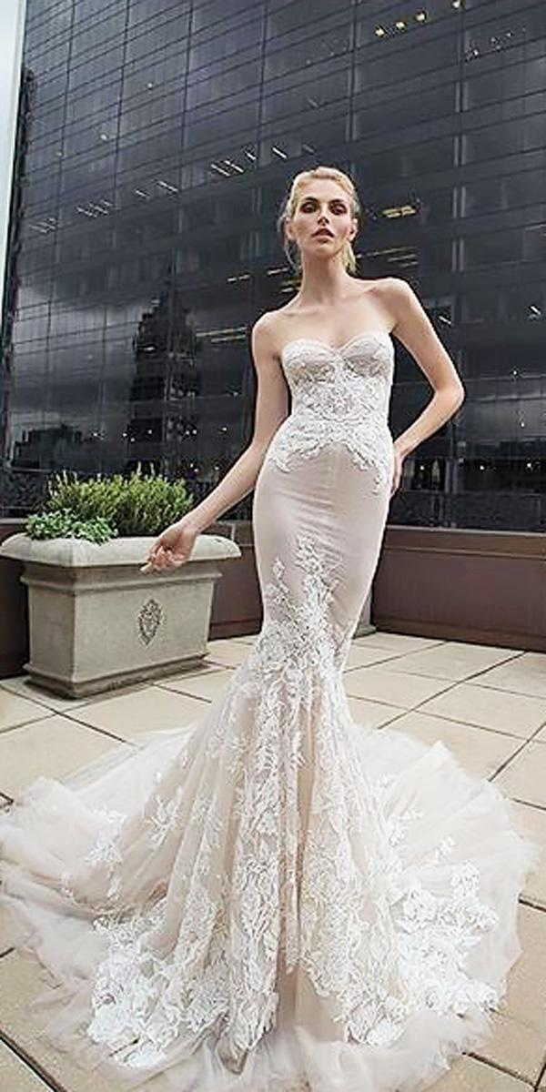 lace mermaid sweetheart wedding dress neckline inbal dror