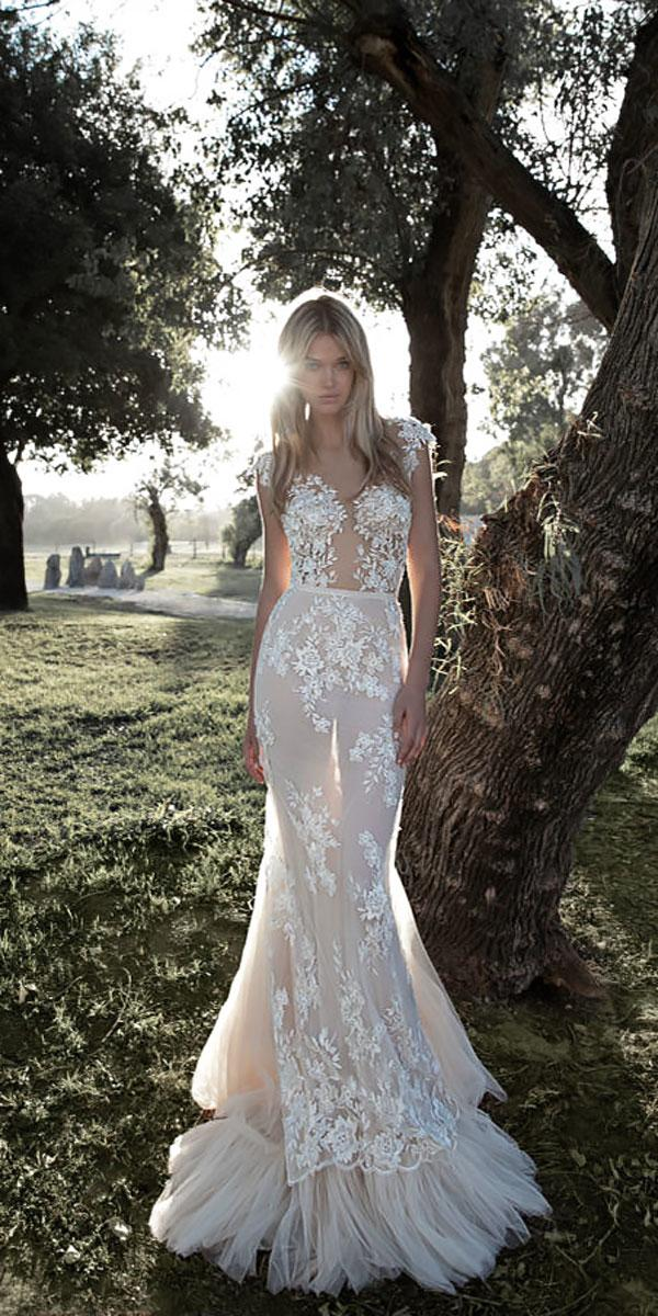 lace trumpet lace sweetheart wedding dress neckline idan cohen