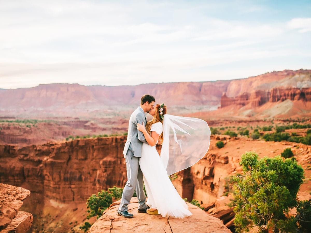 15 amazing destination wedding dresses for yous for Wedding dress destination wedding