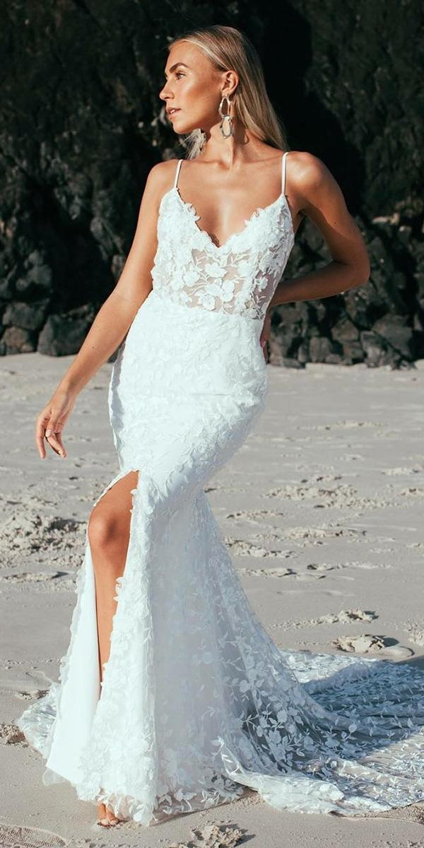 30 Wonderful Beach Wedding Dresses For Hot Weather