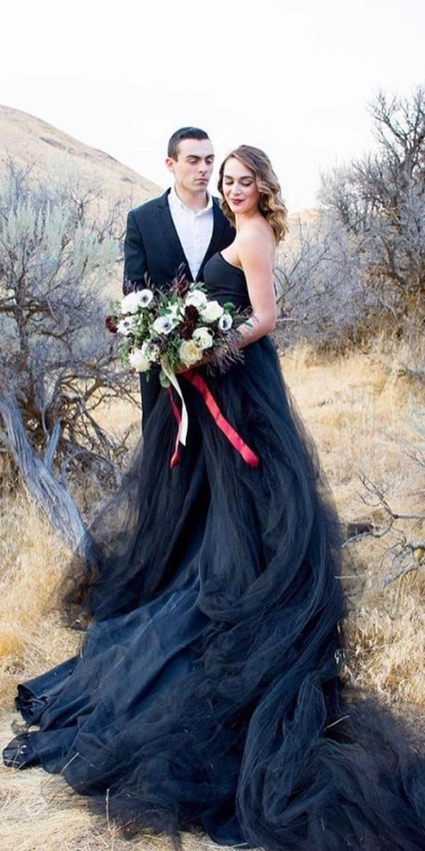 black wedding dresses strapless with train tulle french knot couture