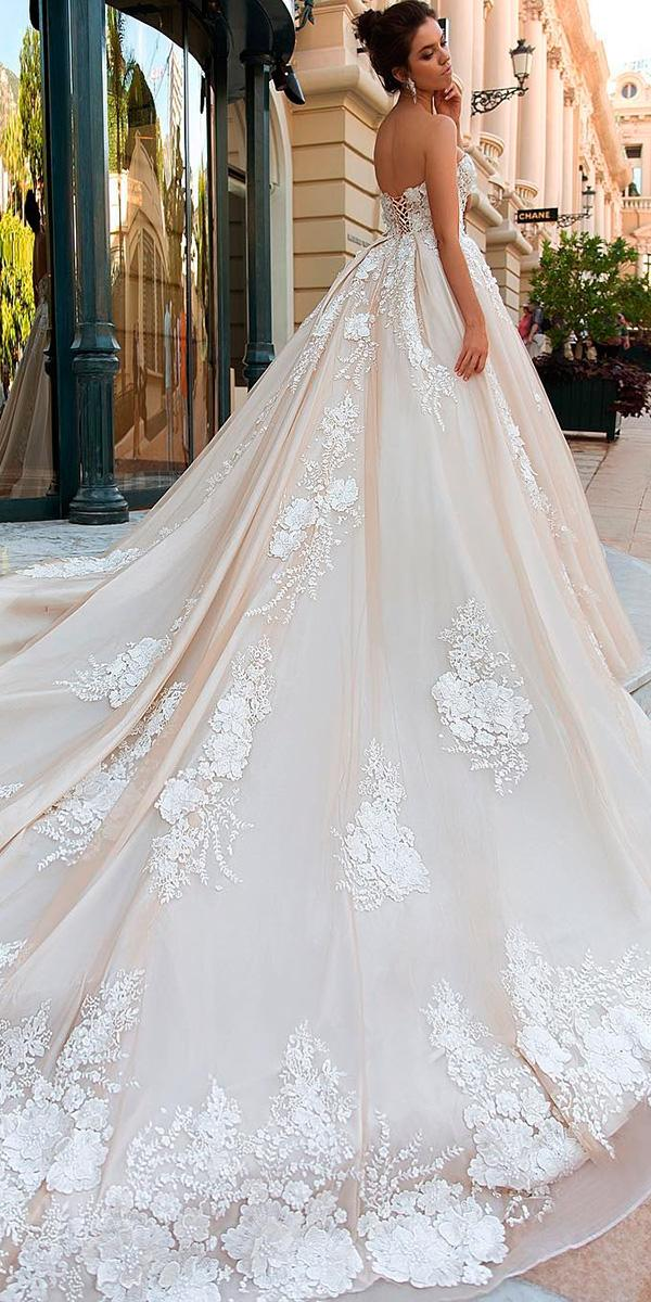 blush a line with embroidered lace and backless with long train 2018 crystal design wedding dresses