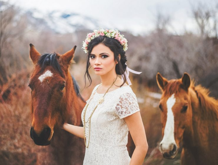 lace boho wedding dresses featured