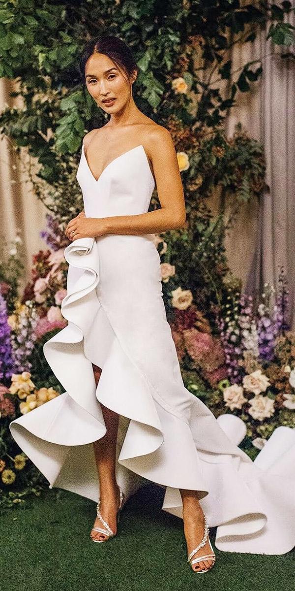 modern wedding dresses with straps minimalizm sexy oscar dela renta