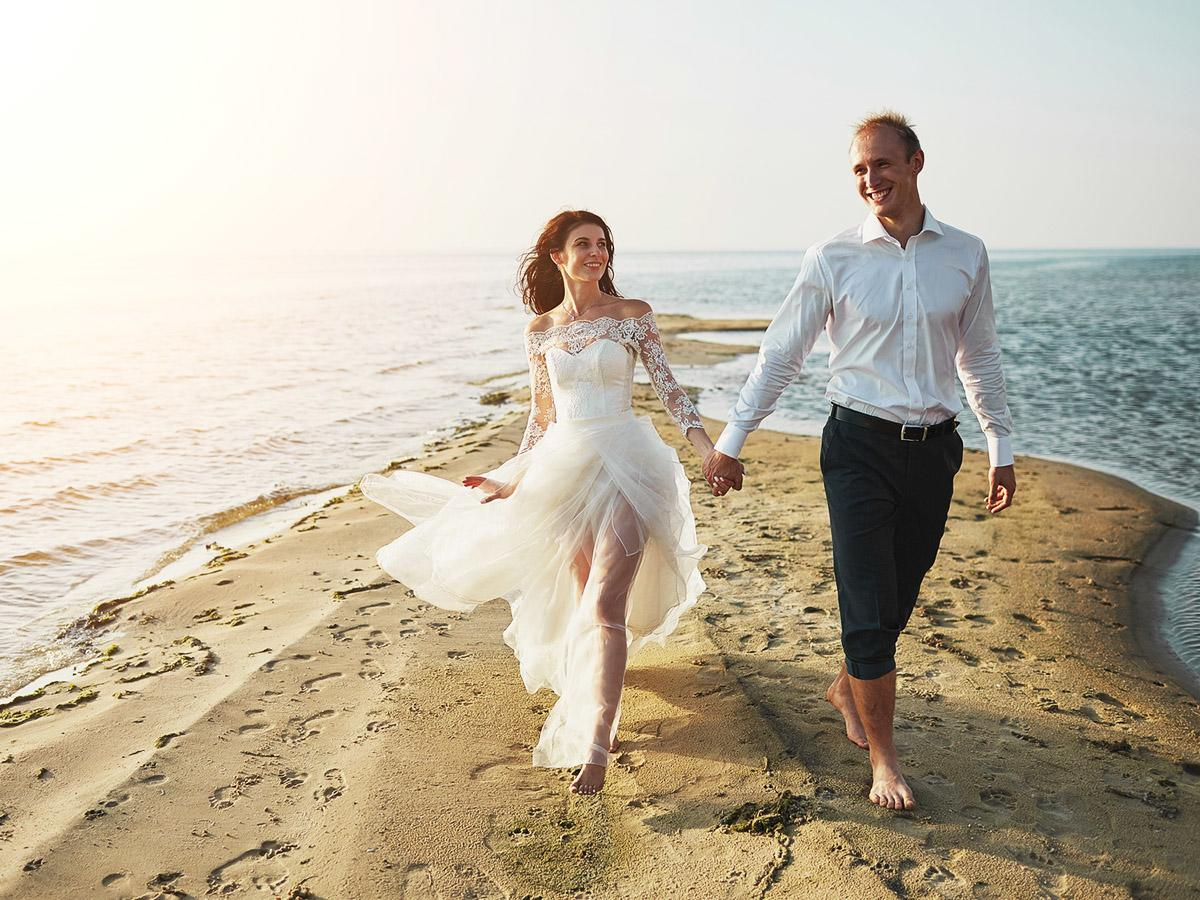 beach destination wedding dresses featured