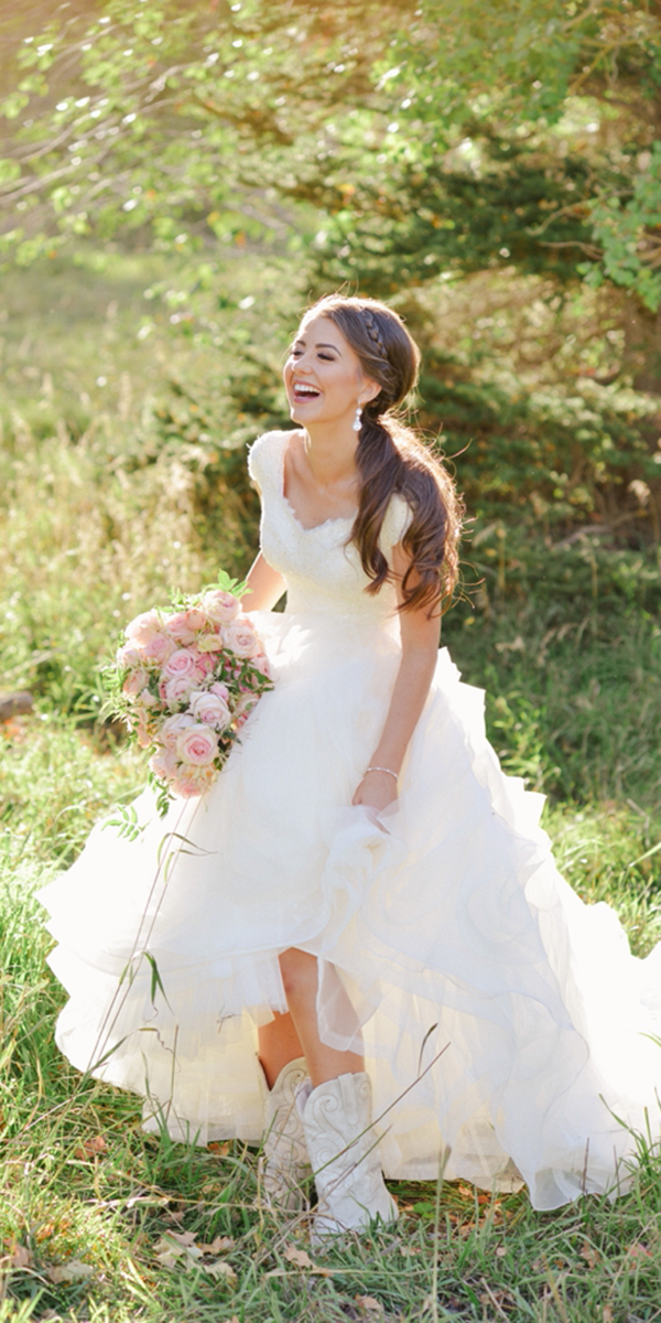 barnyard wedding dresses with cap sleeves lace a line with boots henry utah wedding photographer