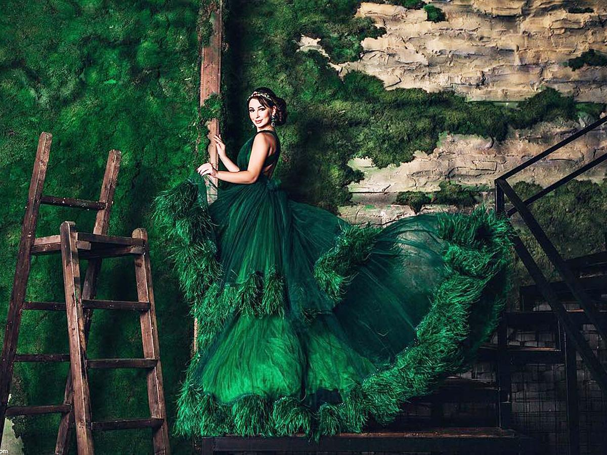 green wedding dresses featured1 malyarova olga
