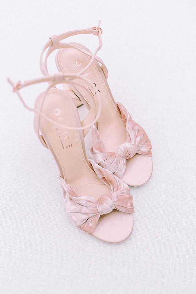 beach wedding shoes pink for bridesmaid jessica davies photography