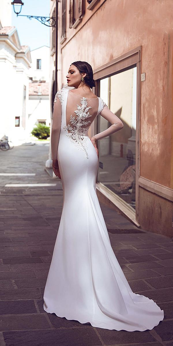 bridal gowns with sleeves mermaid tatto effect back silk armonia