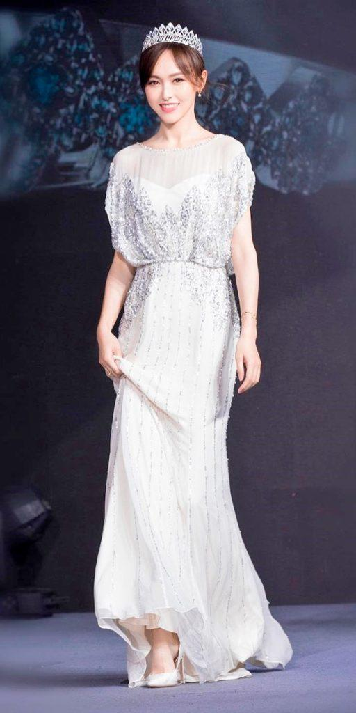 what to wear to a winter wedding illusion sweetheart neck embroidered bodice jenny packham