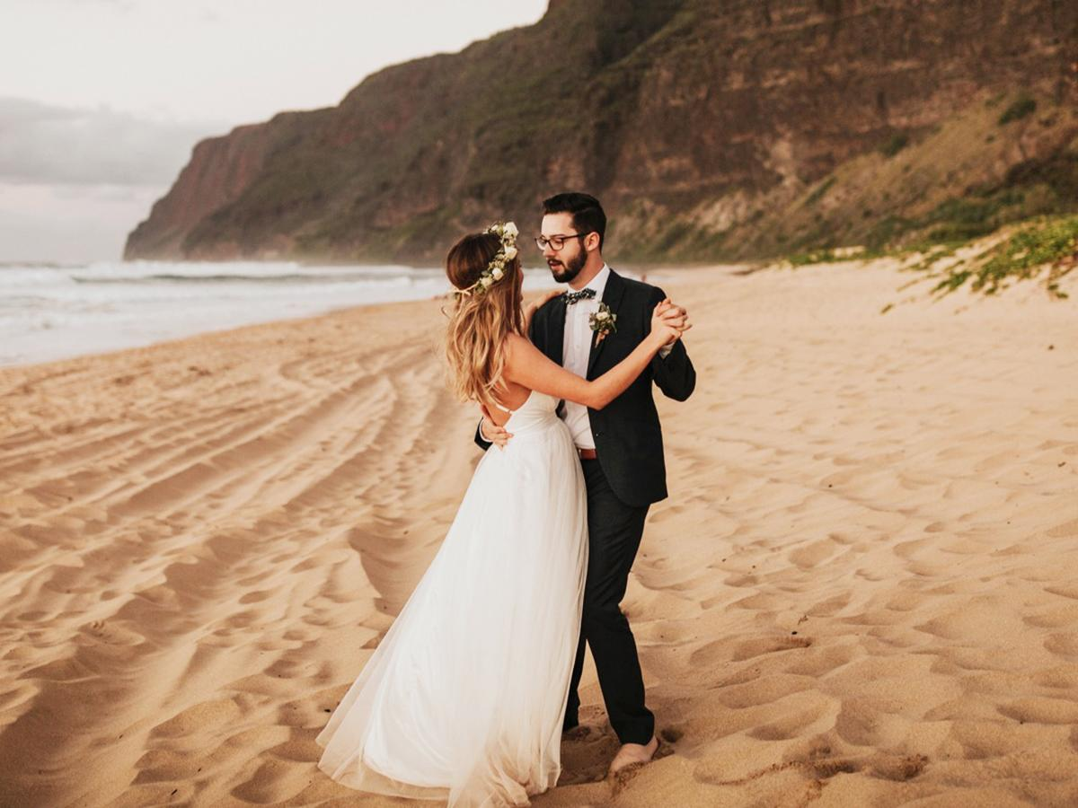 18 Hawaiian Wedding Dresses For Your Love Story | Wedding Dresses Guide